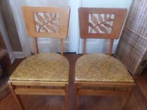 Pair Of Vintage Stakmore Folding Chairs