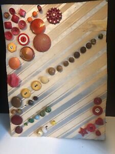 Vintage Antique Card Of Collectible Buttons Bakelite Celluloid Wood Over 50