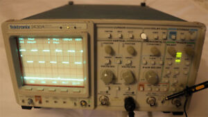 Tektronix 2430a 150 Mhz 2 Channel Digital Oscilloscope