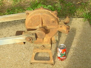 Lpu Vintage Cast Iron Windmill Water Well Pump Model 3000 Jack Chicago Il Froze