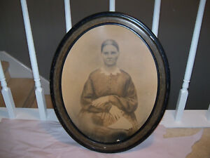 Large Antique Vintage Oval Wood Frame Vintage Portrait Picture Woman