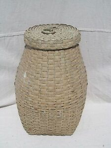 Late 19th Century Ovoid Splint Woven Covered Antique Basket In Old White Paint