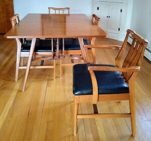 Mid Century Modern Vintage Broyhill Walnut Dining Table And 6 Chairs Set
