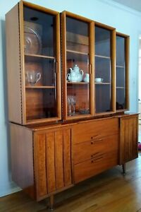 Mid Century Modern Vintage Walnut China Cabinet Hutch Credenza With Glass Doors