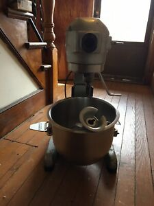 Hobart A200 20 Qt Commercial Mixer In Working Condition
