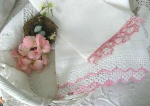 Romantic Vintage Linen Lace Set Pink Tatting Crochet Lace Guest Towels