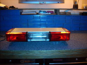 Whelen Edge 26 Inch 6 Strobe Lightbar Mini With Warranty