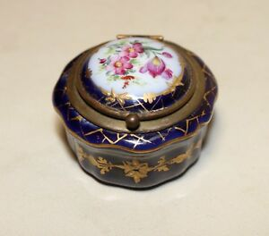 Antique 1800 S Hand Painted Sevres Bronze Mounted Porcelain Trinket Snuff Box
