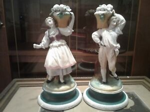 Beautiful Old Paris Porcelain Pair Of French Figurines Man Woman Great Details