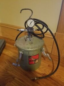 Vintage Binks 83 6668 Pressure Tank With Extras Paint Extra Clean Guages Hose