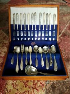 National Silver Co A1 Roses Leaf Silverware 78 Piece Set Plus Case Vintage