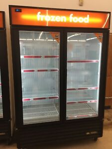 True Gdm 49f Two Door Display Reach in Freezer Restaurant Equipment