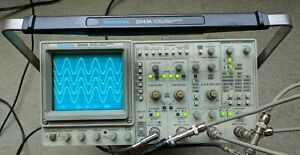 Tektronix 2247a Four Channel 100 Mhz Oscilloscope Two Probes Power Cord