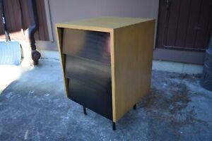Vtg Florence Knoll Side Table Nightstand Mini Credenza Style 40 S 50 S Mcm