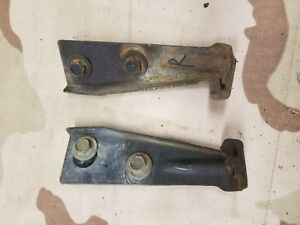 1966 Fleetwood Brougham Left And Right Lower Front Fender Mounting Brackets Oem