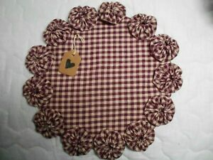 Primitive Burgundy Homespun Fabric Candle Mat Table Runner Topper Yoyo Doily 3