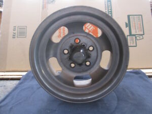 1960 S Fenton Gyro 14 X 7 Aluminum Slotted Mag Wheel 5 On 4 3 4 Bolt Pattern