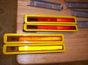1970 71 Cuda Barracuda Yellow Red Side Marker Lights 2 Front 2 Rear L R
