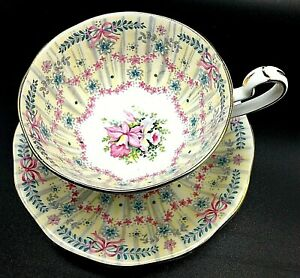 1949 Queen Anne Royal Bridal Gown Fine Bone China England Cup And Saucer Gg009