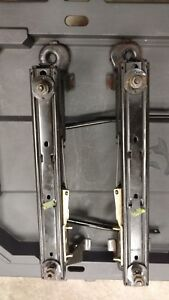 99 04 Jeep Grand Cherokee Wj Left Front Manual Seat Track Slider Frame Drivers