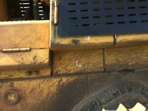 1989 Cat 953 Right Support For Hinged Door