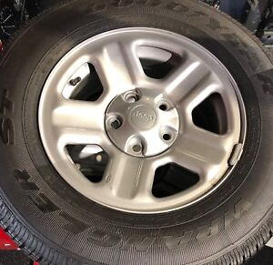 Goodyear Wrangler St 225 75r16 Oem Jeep Rims Tires 5 Piece Set