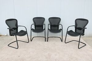 Herman Miller Ergonomic Aeron Side Guest Chairs Size B Set Of 4