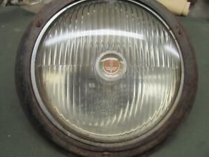 Trippe Beam Light Bulb With Ring Backing Plate