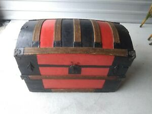 Antique Hump Back Chest Trunk Wood Metal Local Pick Up Only
