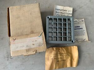 One Vintage Federal Signal Vibratone Horn Model 450 Grey 125v 096amp Nos