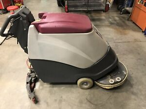 Minuteman 200x Self propelled Floor Scrubber With Charger Only 120 Hours