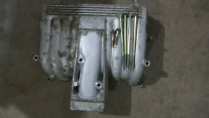 Ford 302 Gt40 Upper Intake Manifold With The Mounting Bolts