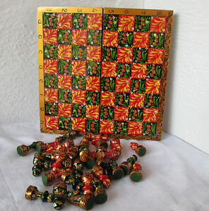 11 Colorful Wooden Painted Checkerboard Game Box Chess Figures Green Red