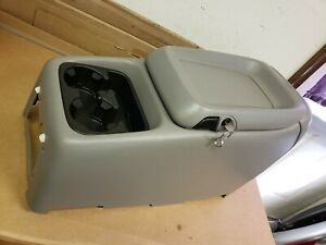 2001 Chevy Suburban Floor Center Console Compartment W Cup Holder Lid With Key