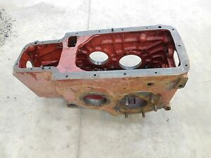 Ih Farmall 230 Transmission Rear End Casting 369017r1 Antique Tractor