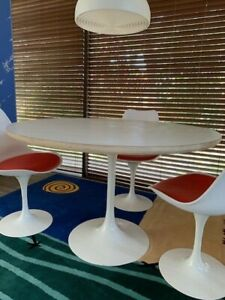 Tulip Round Dining Table 46 White And 4 Tulip Chairs