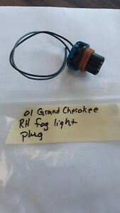 Jeep Grand Cherokee Wj 99 03 Passenger Right Fog Light 55155136 Connector Plug