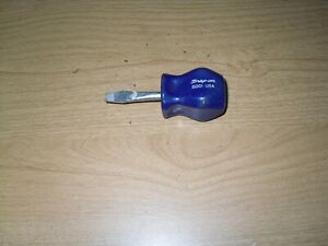 Snap On Sdd1 Flat Slotted Blue Hard Handle Stubby Screwdriver Usa