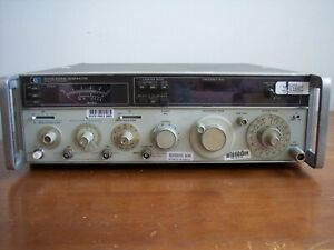 Hp 8640b Rf Signal Generator Only In Used Condition Works