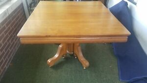 Antique Robbin S Square Oak Dining Table W 5 Leaves Leaves Store Inside Table