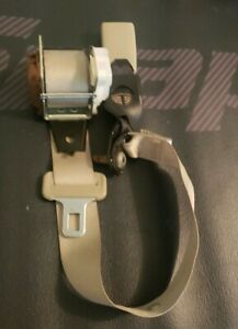2010 Ford Fusion Middle Rear Seat Belt Strap Retractor
