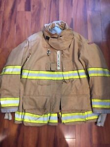 Firefighter Globe Turnout Bunker Coat 54x32 G xtreme 2007 No Cut Out