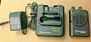 Motorola Minitor 4 Minitor Iv Pager a03kus7238bc 1 Frequency Charger Vhf