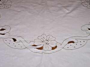 Fabulous Vintage Madeira Cutwork Embroidered Linen Tablecloth 80 Expert Emb