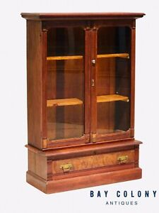 19th C Victorian Walnut Double Door Antique Bookcase China Very Clean
