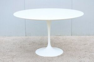Mid Century Modern Eero Saarinen For Knoll 47 Round White Dining Table 1956