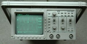 Tektronix Tds320 100mhz Digital Oscilloscope Calibrated Sn b033677