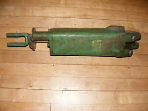 John Deere Tractor Plow Disk Implement Green Hydraulic Lift Cylinder 3010 4020