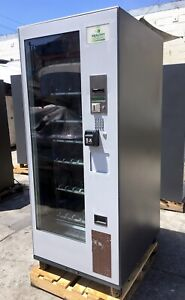 2012 H u m a n Healthy V4 Refrigerated Combo Auto Vending Machine W Card Reader