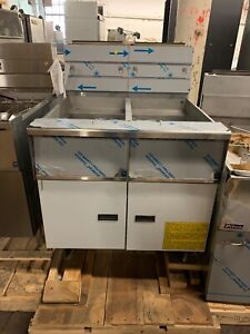 Pitco Sg14r Battery Of 2 Commercial Fryer Frialtor 50lb Scratch And Dent Gas